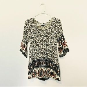 Blouse with elephants prints